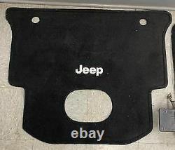 15-18 Jeep Wrangler JKU Alpine Sub, Cargo Mat, And Load Bearing Floor 68223349AC